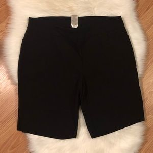 5/$12💐 Woman's Black Shorts